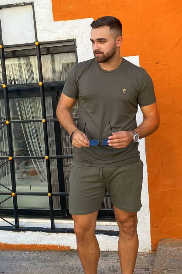 One of One Shorts Men Olive
